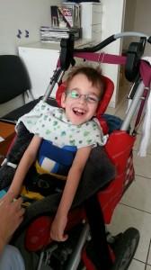 Luca bei der Sauerstofftherapie